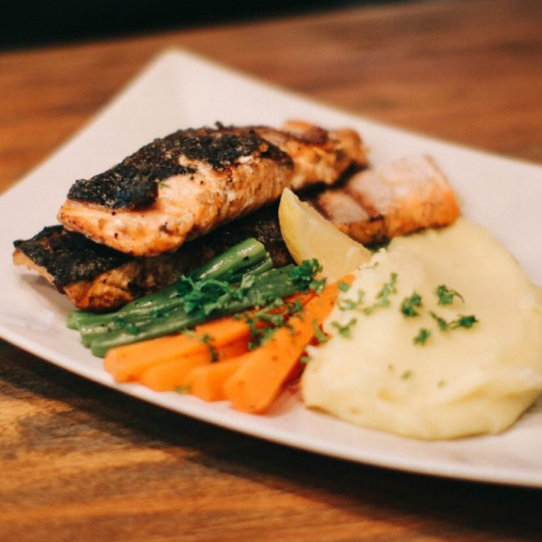 Grilled Salmon on Basil Cream Sauce