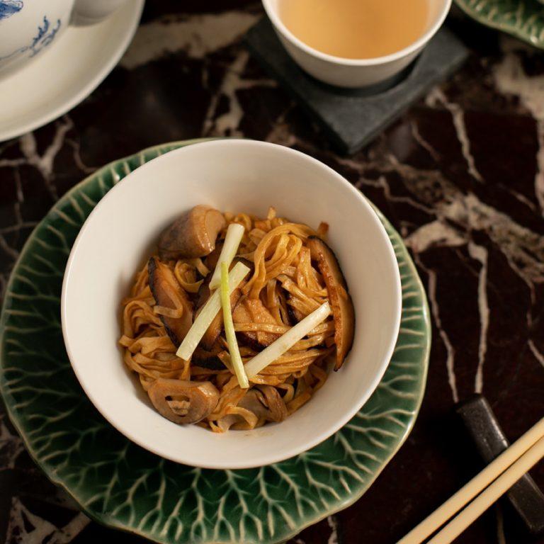 Braised e-fu noodles