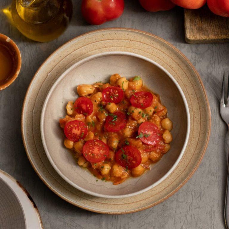 Chickpeas in Ruseta Tomato Sauce